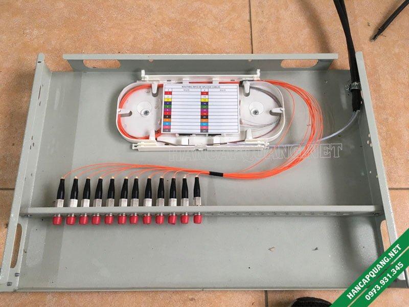Hàn cáp quang Multimode vào ODF 12FO lắp rack chuẩn FC (Tròn)