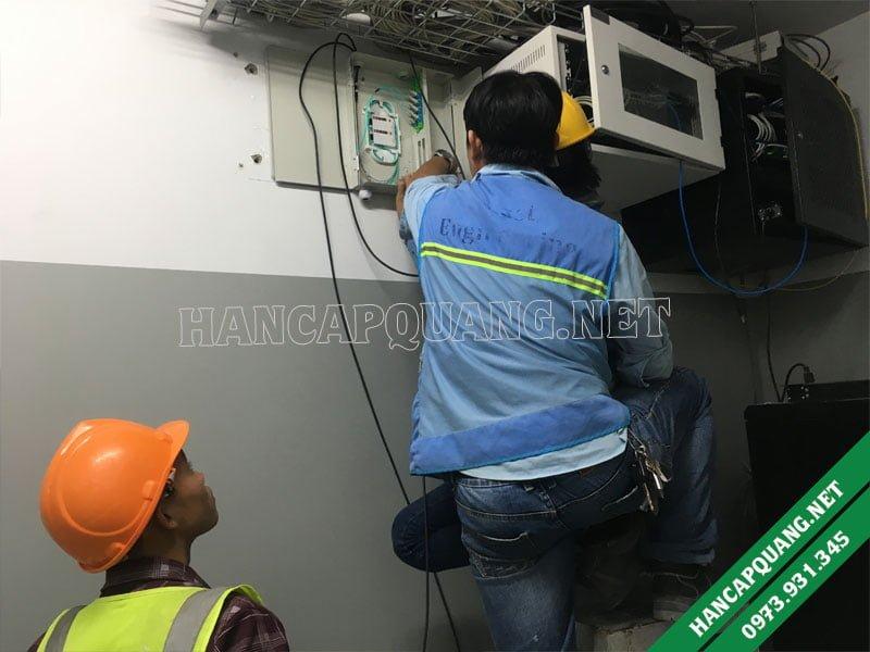 Gắn hộp phối quang odf 24FO lên tường
