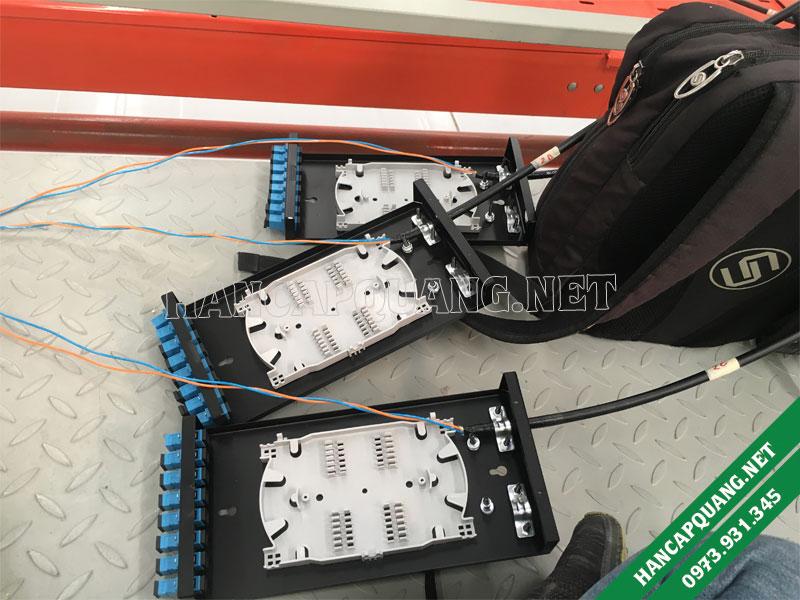 Hộp phối quang ODF 8FO vỏ thép sơn tĩnh điện treo tường