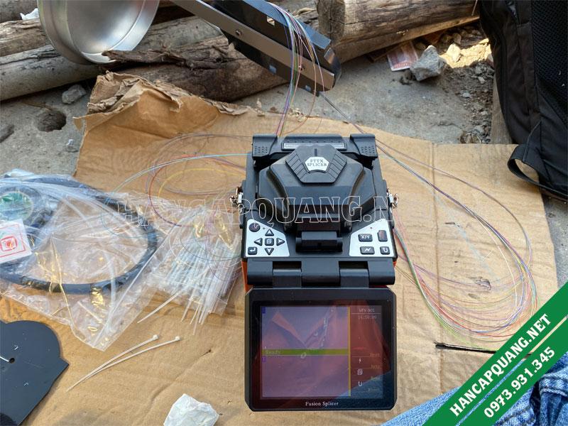 Sử dụng máy hàn sợi quang VFV-90S để thi công