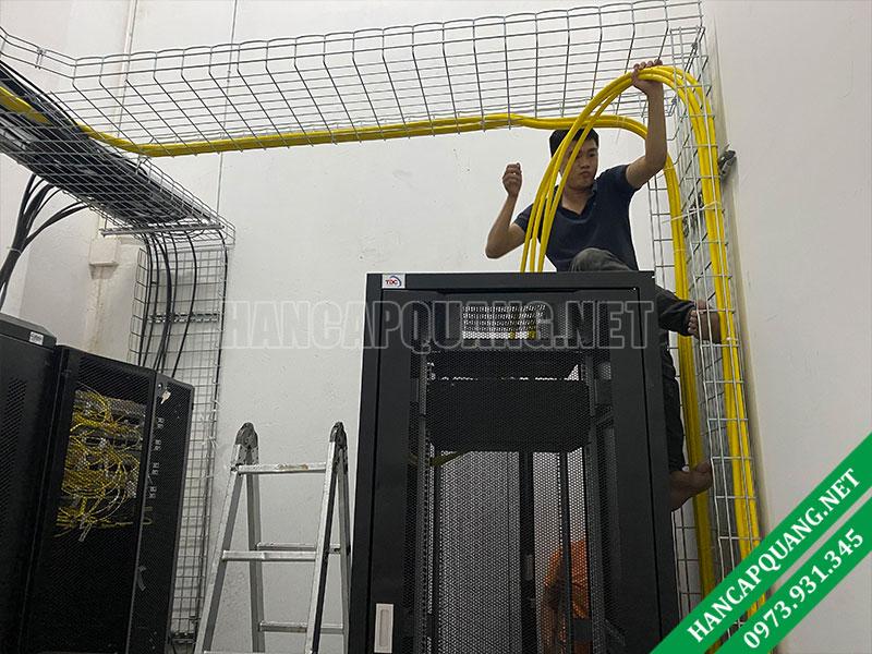 Dịch vụ kéo cáp quang Data Center